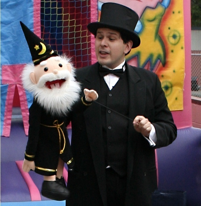 picture of disneyland magician